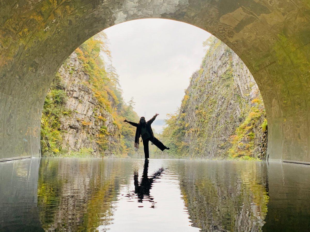 清津峡渓谷トンネルは色づきはじめです!